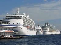 Cruise ships in Karaköy